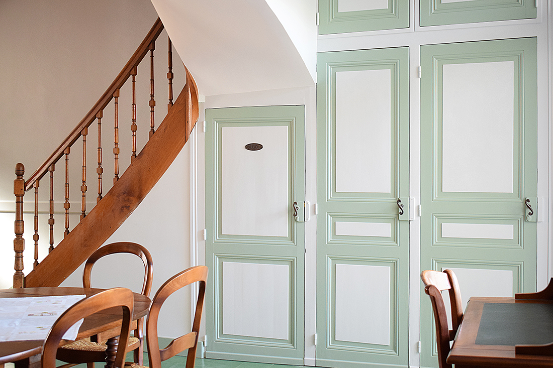 salon boiseries vert blanc artisan peintre tours